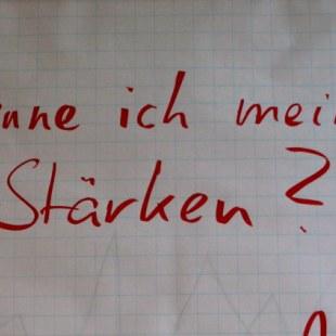 """Flipchartbild auf dem steht: """"Kenne ich meine Stärken?"""" (Foto: ArbeiterKind.de)"""