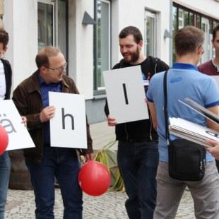 Regionaltreffen Baden-Württemberg in Karlsruhe: Aufteilung zum Gruppenfoto (Foto: ArbeiterKind.de)